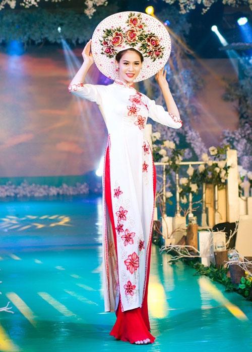 Phan Thị Mơ kiều diễm với áo dài cưới-6
