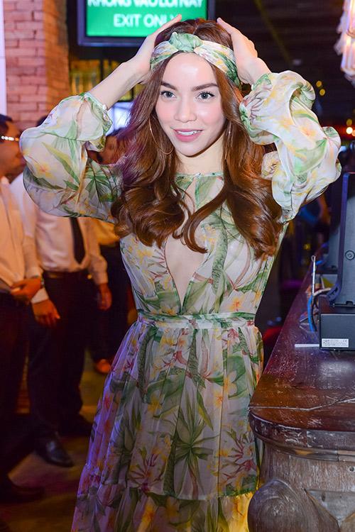 Hà Hồ, Diễm My cực quyến rũ khi làm điệu tóc với turban-6