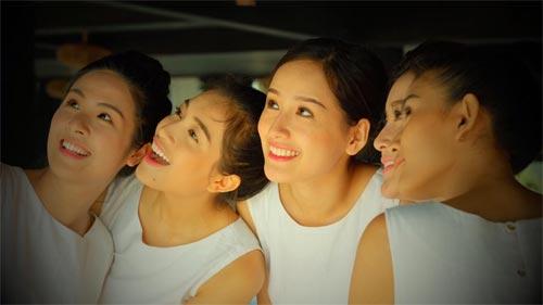 Hà Hồ, Phạm Hương vui vẻ bên nhau mặc scandal bủa vây-15