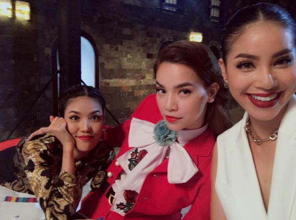 Hà Hồ, Phạm Hương vui vẻ bên nhau mặc scandal bủa vây-1