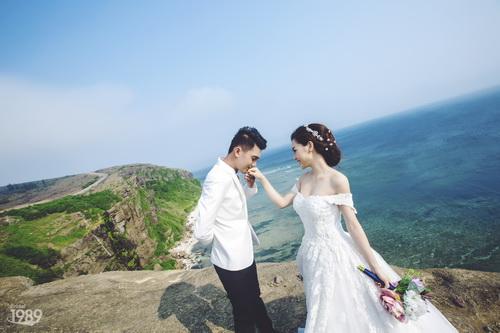 Quang Tuấn - Linh Phi khoe ảnh cưới đậm chất cổ tích-5