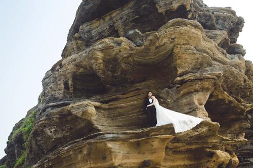Quang Tuấn - Linh Phi khoe ảnh cưới đậm chất cổ tích-9