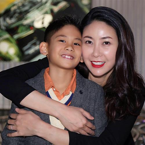 HH Hà Kiều Anh hạnh phúc đón sinh nhật tuổi 40 bên chồng con-5