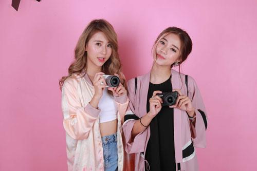 Hot girl Salim tinh nghịch chụp ảnh cùng Quỳnh Anh Shyn-3