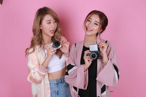 Hot girl Salim tinh nghịch chụp ảnh cùng Quỳnh Anh Shyn-5