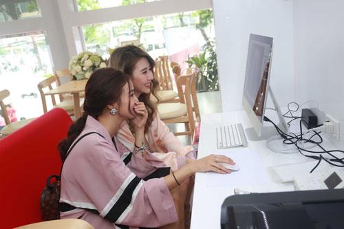 Hot girl Salim tinh nghịch chụp ảnh cùng Quỳnh Anh Shyn-6