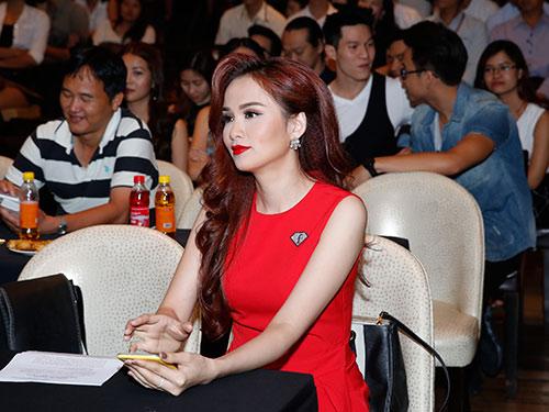Võ  Hoàng Yến, Diễm Hương thân thiết khi hội ngộ-14