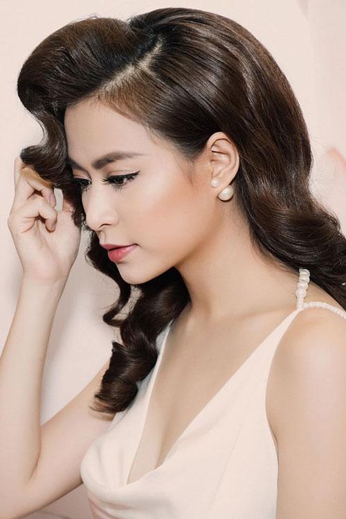 Ngắm thân hình sexy siêu gợi cảm của Hoàng Thùy Linh-15