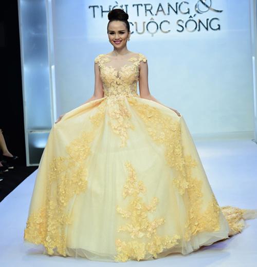 Hoa hậu Diễm Hương tự tin làm mẫu dù chỉ cao 1m71-10