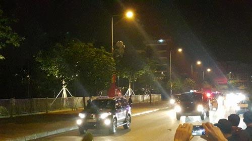 Tổng thống Obama đã đến Hà Nội-1