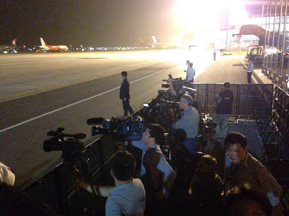 Tổng thống Obama đã đến Hà Nội-12