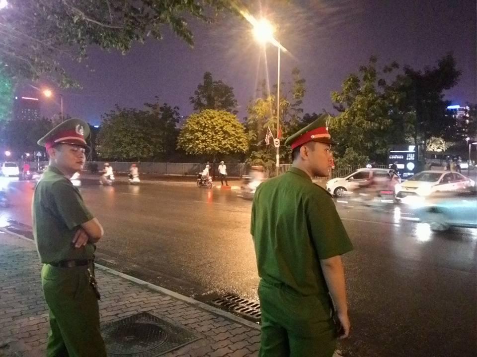 Tổng thống Obama đã đến Hà Nội-15