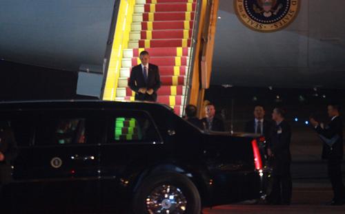 Tổng thống Obama đã đến Hà Nội-4