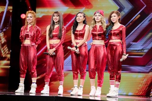 """3 cô gái """"mũm mĩm"""" khiến giám khảo X-Factor loại nhóm trai đẹp-5"""