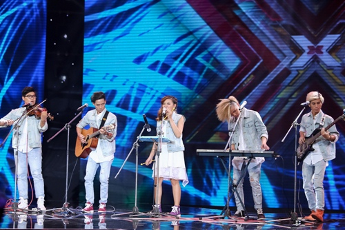 """3 cô gái """"mũm mĩm"""" khiến giám khảo X-Factor loại nhóm trai đẹp-14"""