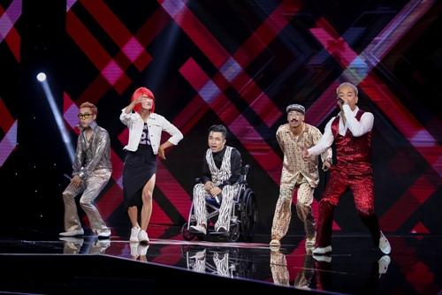 """3 cô gái """"mũm mĩm"""" khiến giám khảo X-Factor loại nhóm trai đẹp-6"""