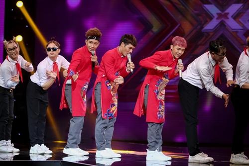 """3 cô gái """"mũm mĩm"""" khiến giám khảo X-Factor loại nhóm trai đẹp-11"""