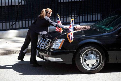 Nữ đặc vụ lái chiếc Cadillac One hộ tống Tổng thống Obama-6