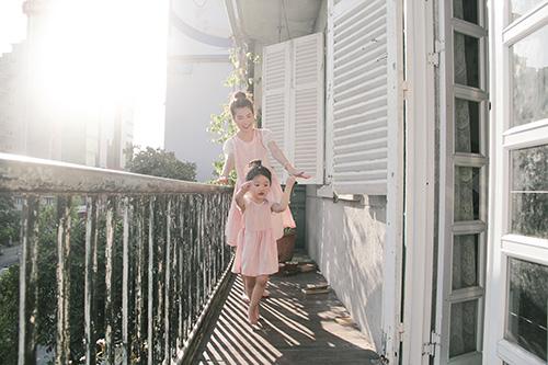 10 mẫu váy đôi ngọt ngào cho mẹ diện chung với con gái-3