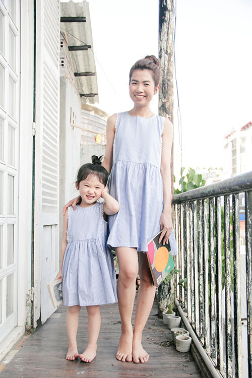 10 mẫu váy đôi ngọt ngào cho mẹ diện chung với con gái-9