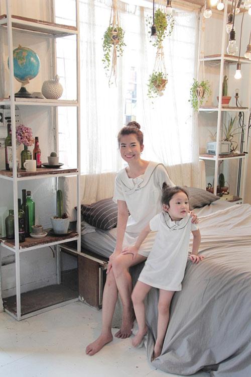 10 mẫu váy đôi ngọt ngào cho mẹ diện chung với con gái-11