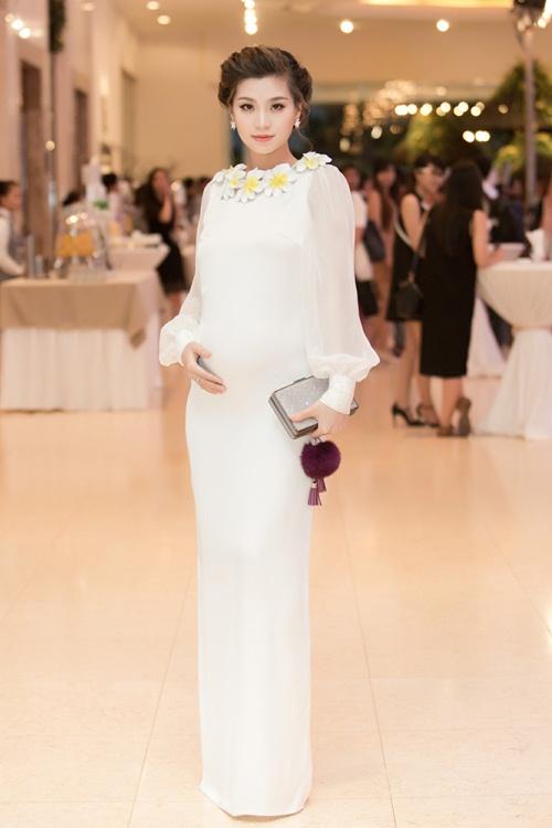 Á hậu Diễm Trang tự tin khoe bụng bầu 5 tháng tại sự kiện-1