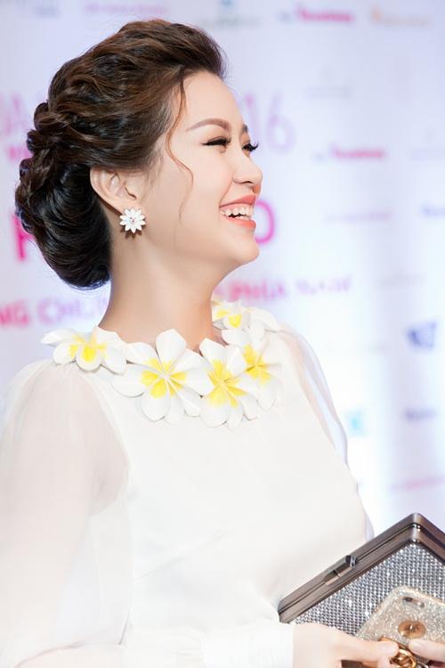 Á hậu Diễm Trang tự tin khoe bụng bầu 5 tháng tại sự kiện-10