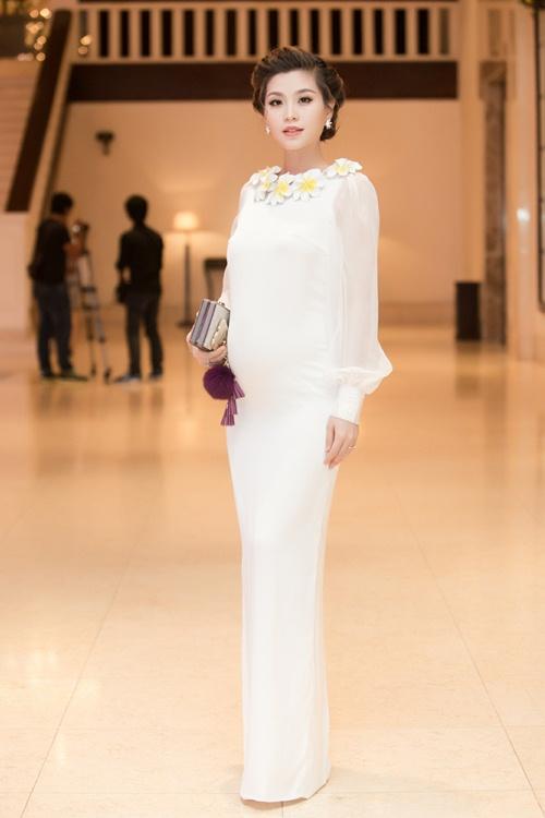Á hậu Diễm Trang tự tin khoe bụng bầu 5 tháng tại sự kiện-2