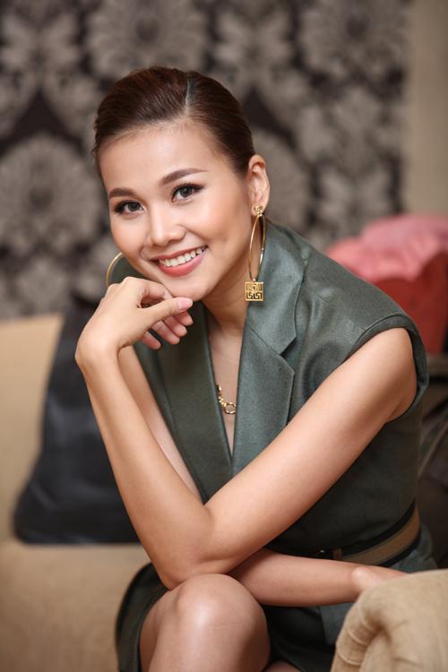 VNTM 2016: Thanh Hằng khoe chân dài 1m12 siêu sexy tại Hà Nội-3