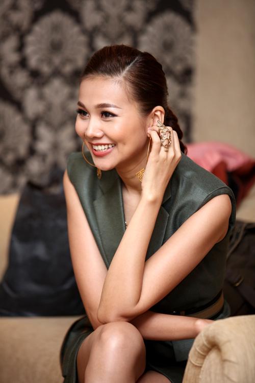 VNTM 2016: Thanh Hằng khoe chân dài 1m12 siêu sexy tại Hà Nội-1