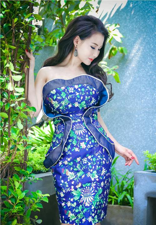Hoa hậu Sương Đặng khéo khoe ngực tròn quyến rũ-1