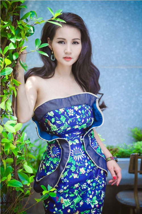 Hoa hậu Sương Đặng khéo khoe ngực tròn quyến rũ-2