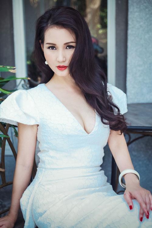 Hoa hậu Sương Đặng khéo khoe ngực tròn quyến rũ-5