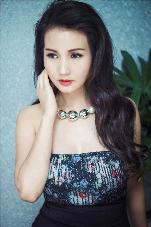 Hoa hậu Sương Đặng khéo khoe ngực tròn quyến rũ-6