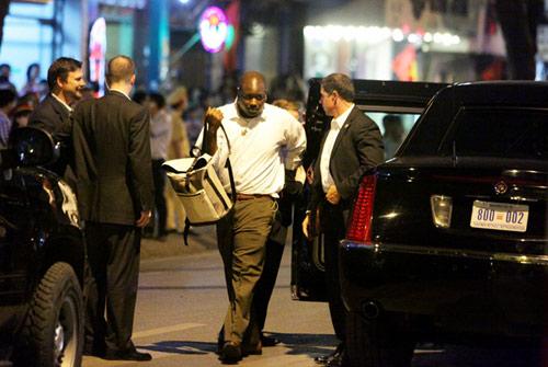 Xem đặc vụ Mỹ bảo vệ Obama trong đêm tại Hà Nội-12