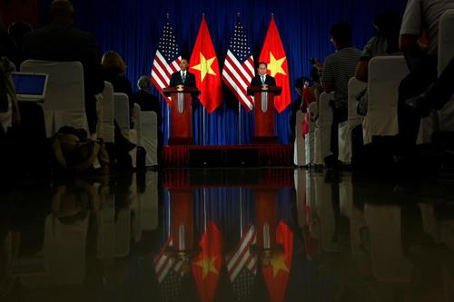 Hình ảnh Obama đến Việt Nam qua lăng kính quốc tế-9