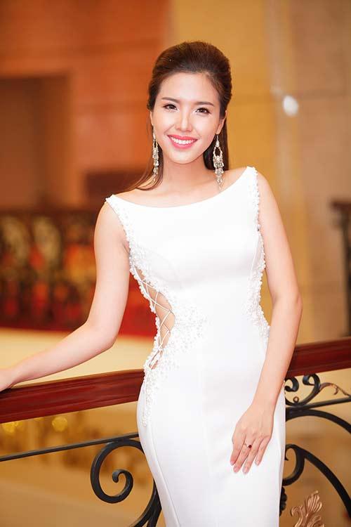 a hau bien khanh phuong lam tiec tri an to nhu dam cuoi - 1