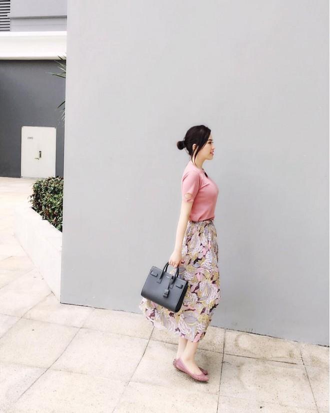 tuan qua: ngoc trinh, huong giang idol phong cach doi lap hut mat tren pho - 10