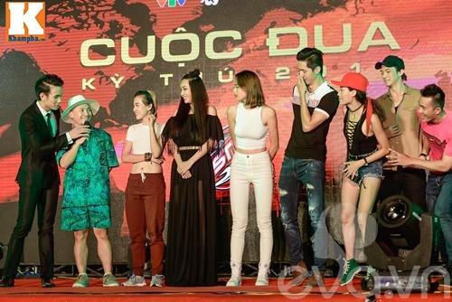 "huong giang idol vang mat, tien dat choi troi voi ""cay"" xanh let di nhan giai - 20"