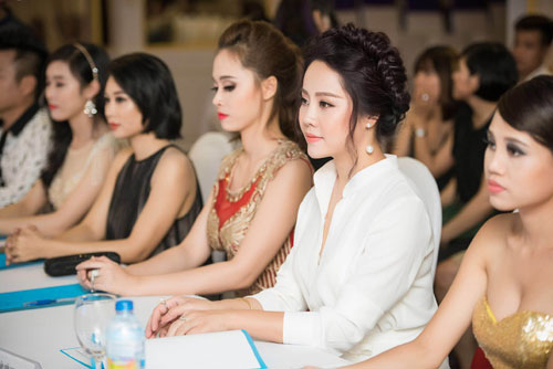 nu hoang sac dep 2014 duyen dang lam giam khao - 7