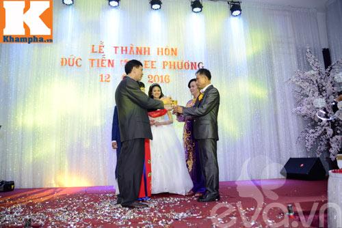le thi phuong hanh phuc ngot ngao ben chong trong tiec cuoi - 5