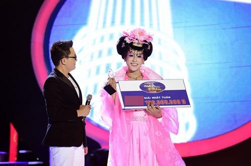 chang trai gia dong nhi nga song soai tren san khau gmtq - 20