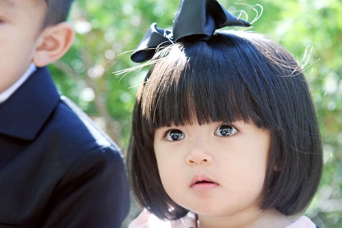 """hai """"cong chua"""" song sinh nha mc huyen ny mat xoe tron sieu de thuong - 4"""