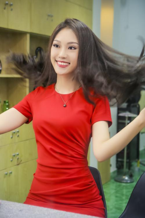 Á khôi Phương Linh cực trẻ trung với tóc mới-4
