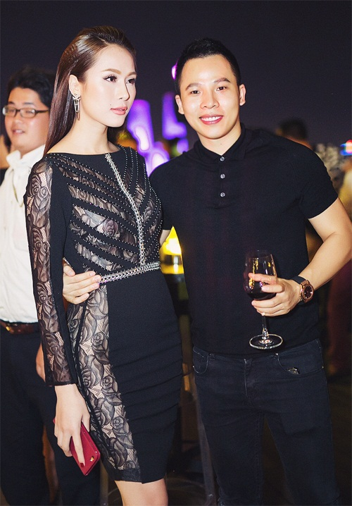 Ngọc Trinh đọ vẻ nóng bỏng với Hoa hậu Hàn Quốc-10