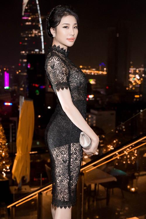 Ngọc Trinh đọ vẻ nóng bỏng với Hoa hậu Hàn Quốc-12