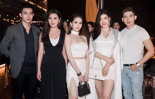 Ngọc Trinh đọ vẻ nóng bỏng với Hoa hậu Hàn Quốc-8