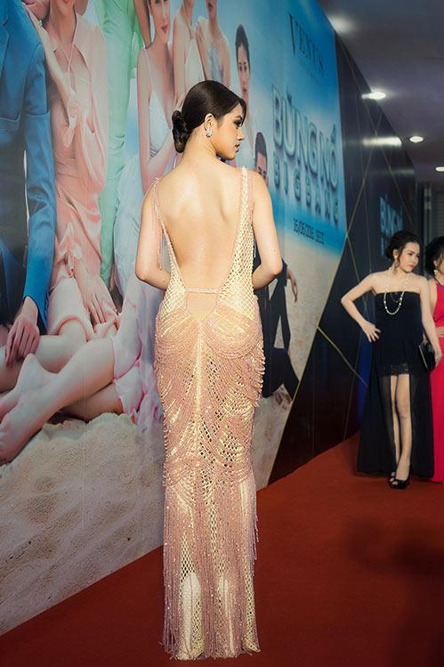 Jolie Nguyễn, Diệu Linh nổi bật giữa dàn người đẹp-4