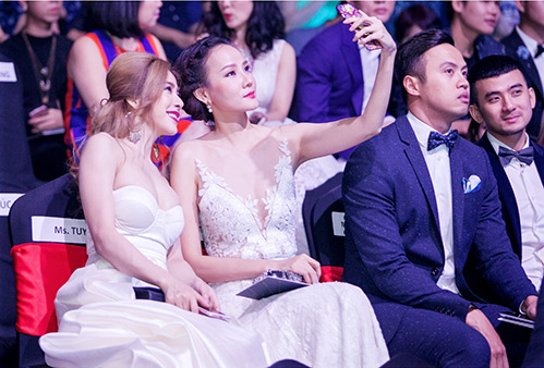 Jolie Nguyễn, Diệu Linh nổi bật giữa dàn người đẹp-14