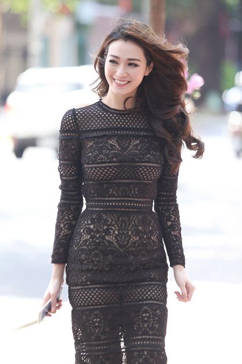 Khánh My mặc siêu gợi cảm đi ghi hình gameshow hài-3